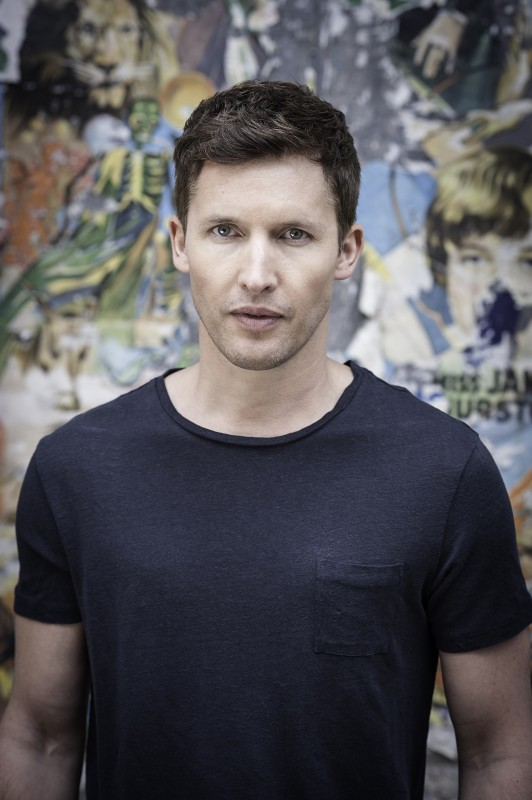 JAMES BLUNT TO RELEASE RE-PACKED DELUXE VERSION OF 'MOON LANDING'
