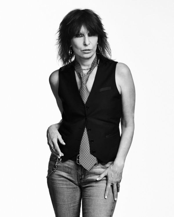 CHRISSIE HYNDE TO RELEASE A BRAND NEW VERSION OF '2000 MILES'